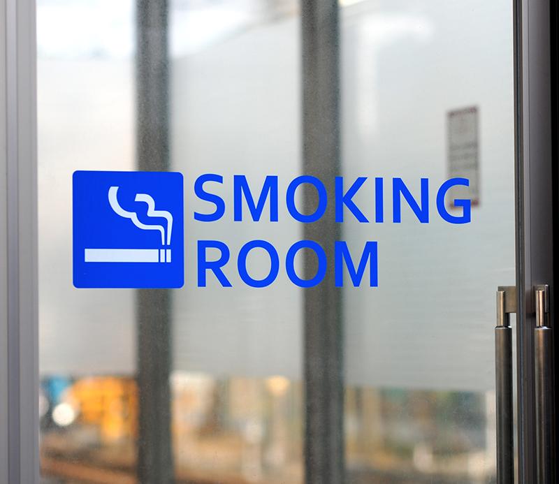 パチンコホール喫煙所サイネージ